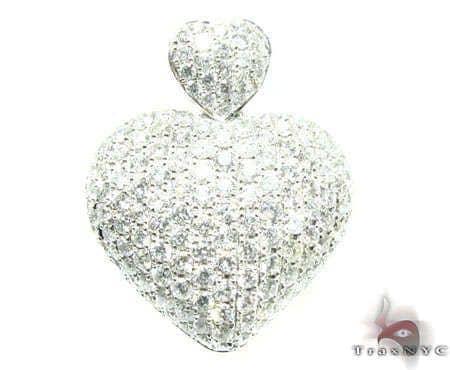 Mini Iced Heart Pendant 5 Stone