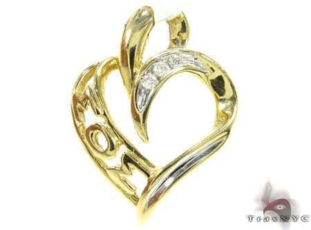 I Love Mom Diamond Pendant Style