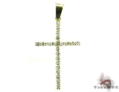 Round Cut Diamond Cross Crucifix 4 Stone
