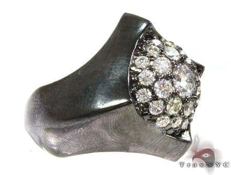 Diamond Studed Jagged Edge Ring Stone