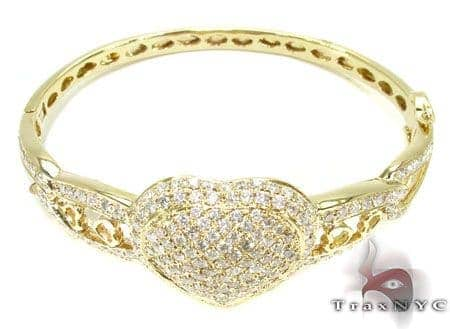 YG Centered Heart Bracelet Diamond