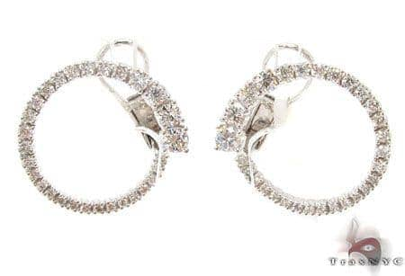 VS Absolute Earrings Stone