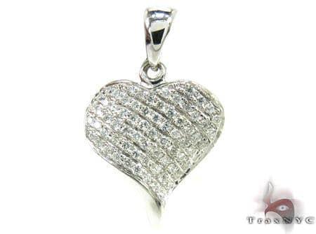 Heart Twist Pendant Stone