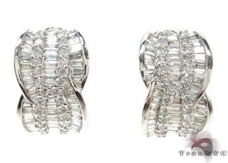 Ladies White Gold Round Baguette Cut Diamond Earrings 21105 Stone