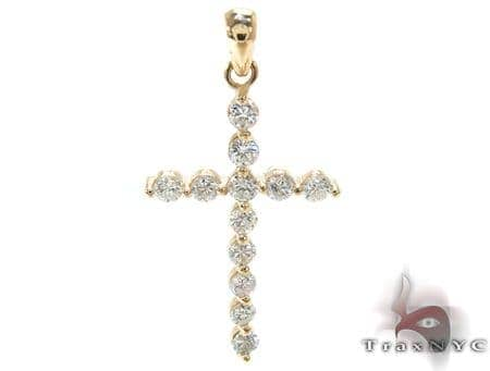 YG Enzo Diamond Cross Stone