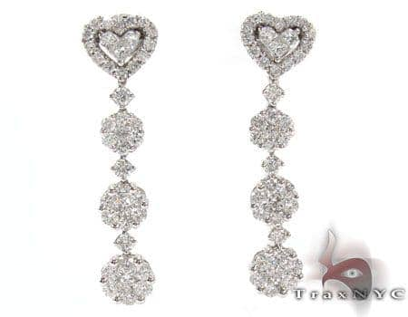 White Gold Round Cut Prong Diamond Heart Earrings Stone