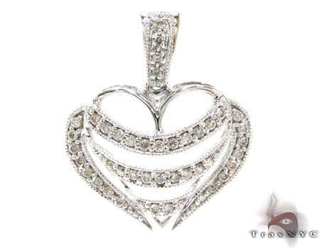 White Gold Round Cut Prong Diamond Heart Pendant Style
