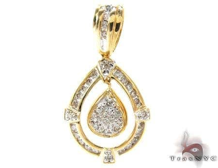 Yellow Gold Round Cut Prong Channel Diamond Pendant Stone