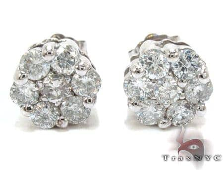 White Gold Round Cut Prong Diamond Stud Earrings Stone