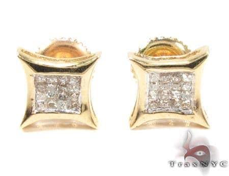 Sharp Yellow Gold Diamond Earrings 26025 Stone