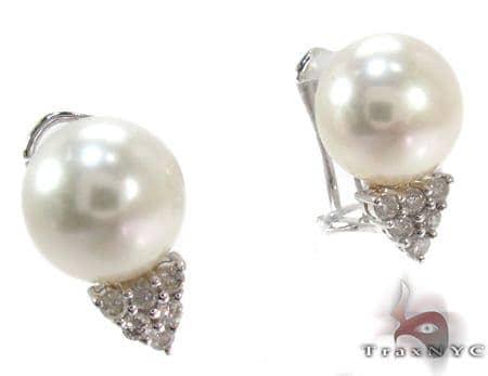 White Pearl Diamond Earrings 27344 Stone