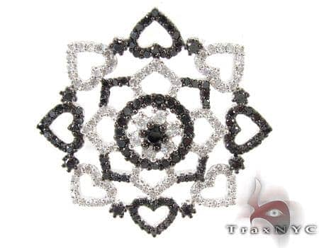 Unique Flower Diamond Pendant Stone