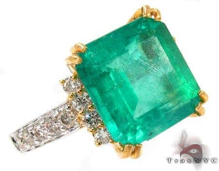 Emerald Jada Ring Anniversary/Fashion