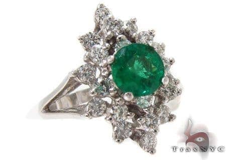Emerald Crowned Ring Anniversary/Fashion