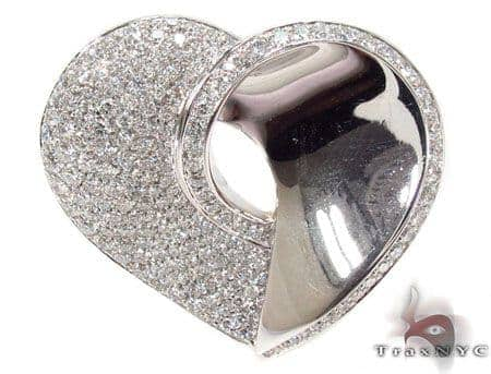 Diamond Pave Heart Pendant Stone