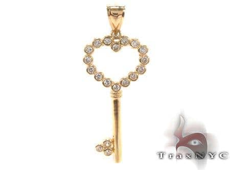 CZ 10K Gold Heart Key Pendant 33623 Metal