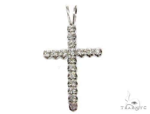 Round Cut Cross 4 Diamond