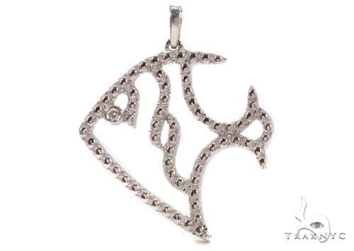 Bezel Diamond Trpical Fish Silver Pendant 37419 Metal
