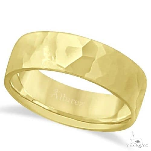 Mens Hammered Finished Carved Band Wedding Ring 14k Yellow Gold (7mm) Metal
