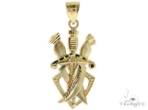 10K Yellow Gold Three Daggers Pendant 57100 Metal