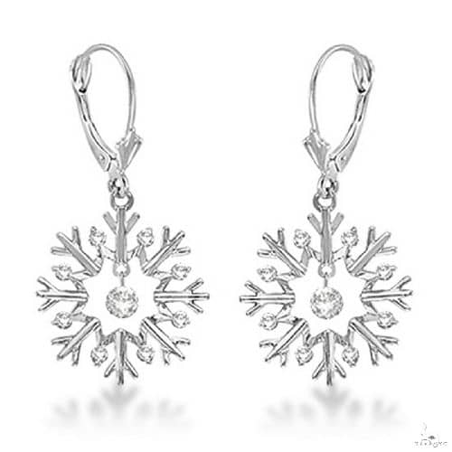 Snowflake Shaped Dangle Drop Diamond Earrings 14K White Gold Stone