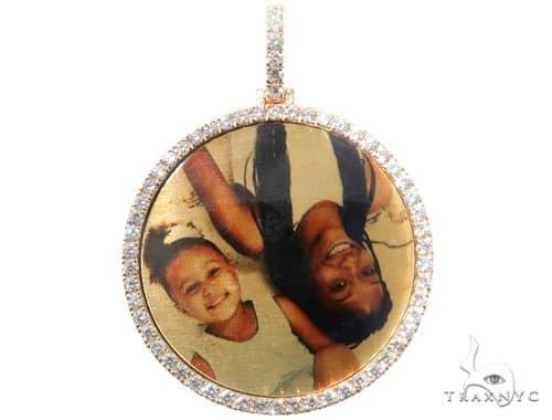 Family Portraits Diamond Pendant Metal