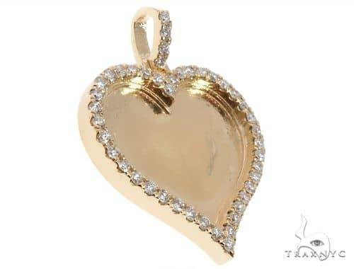 14K Gold Customizable Heart Photo Pendant 1 inch  64627 Stone