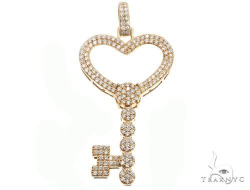 14k Yellow Gold Diamond Heart Top Key 64707 Stone