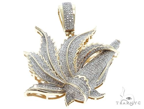 10K Yellow Gold Marijuana Leaf Pendant 64768 Metal