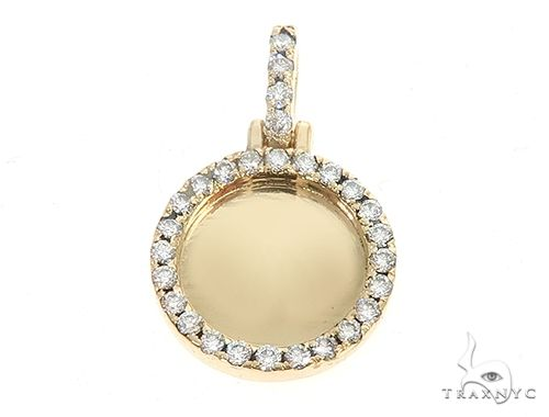 14K Yellow Gold Customizable Photo Pendant 0.50 Inch 65099 Style