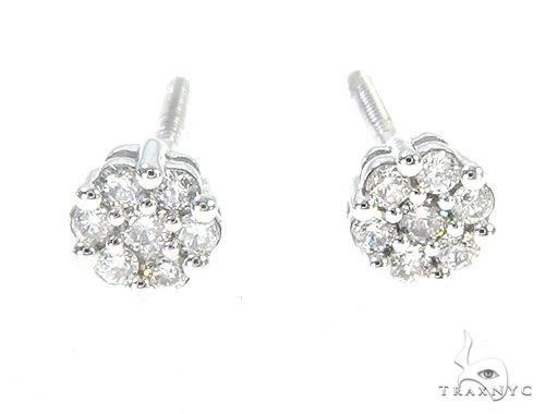 10K White Gold Diamond Flower Earrings 65274 Stone