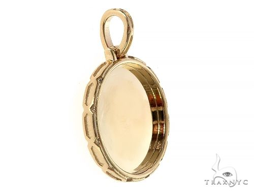 14K Yellow Gold Special Edition Round Photo Pendant Edged Frame 65312 Metal