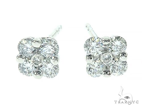 14K White Gold Diamond Flower Stud Earrings Stone