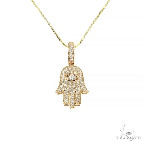 14K Yellow Gold Hamsa Diamond Pendant Set 66610 Stone