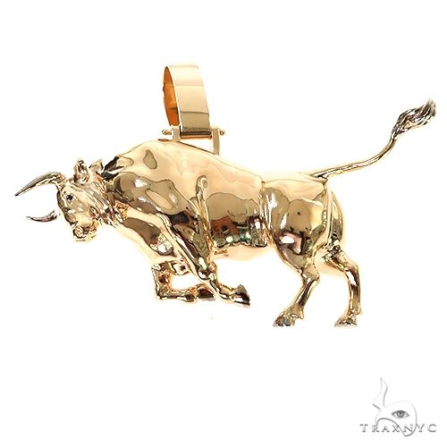 Custom Made 3D Bull Pendant 67393 Metal
