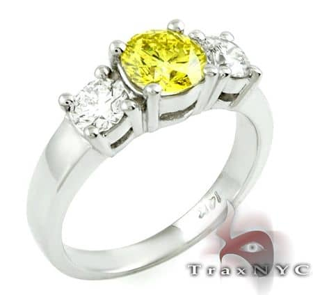 Canary Centered Ring Anniversary/Fashion