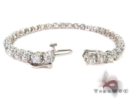 1 Row Prong Diamond Ladies Bracelet Tennis
