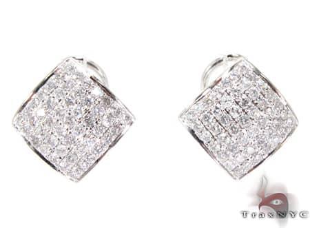 WG Curve Earrings Stone