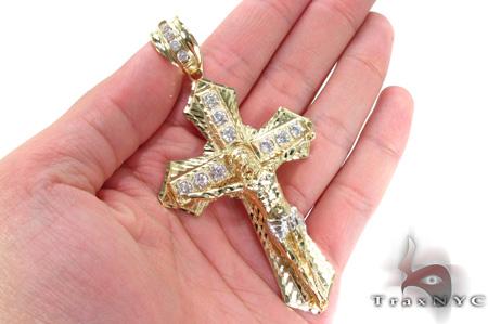 10K Gold Cross Crucifix 31050 Gold