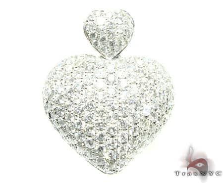 Mini Iced Heart Pendant 5 Stone