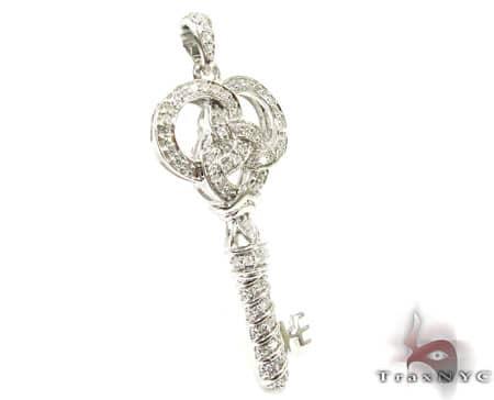 WG Golden Key Pendant Style