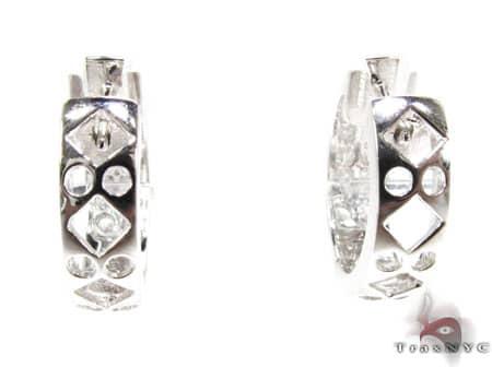 WG High Class Earrings Stone