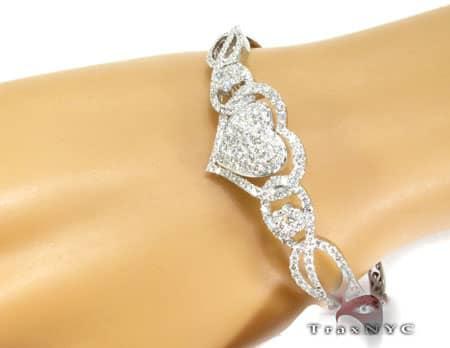 WG Zoey Heart Bangle Bracelet 2 Diamond