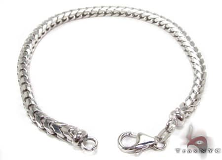 WG Franco Bracelet 8.75 Inches, 4.5mm, 24.70 Grams Gold