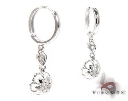 WG Flower Chandelier Earrings Stone