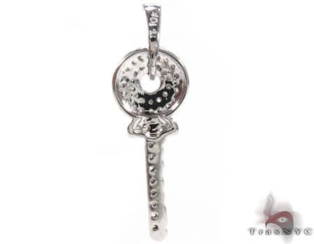Venus Key Pendant Style