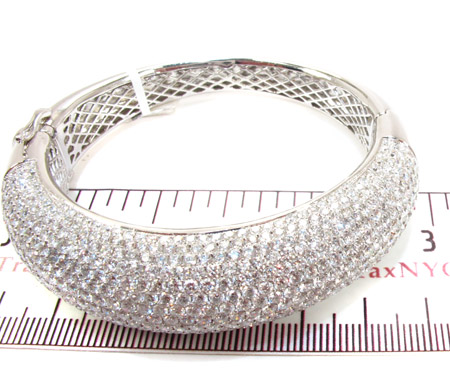 14K Gold Diamond Bangle Bracelet 25418 Diamond