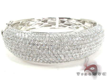 14K Gold Diamond Bangle Bracelet 25419 Diamond