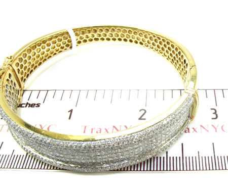 14K Gold Diamond Bangle Bracelet 25420 Diamond
