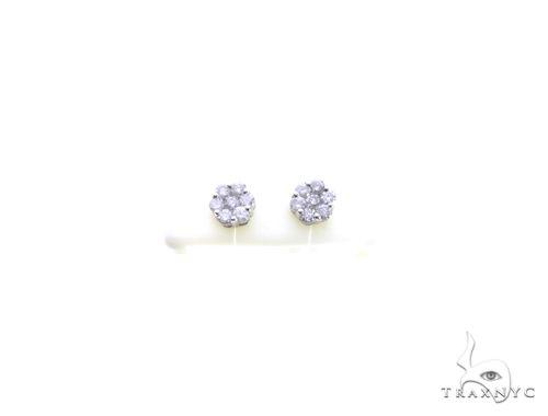 14K White Gold Diamond Flower Earrings. 63409 Stone